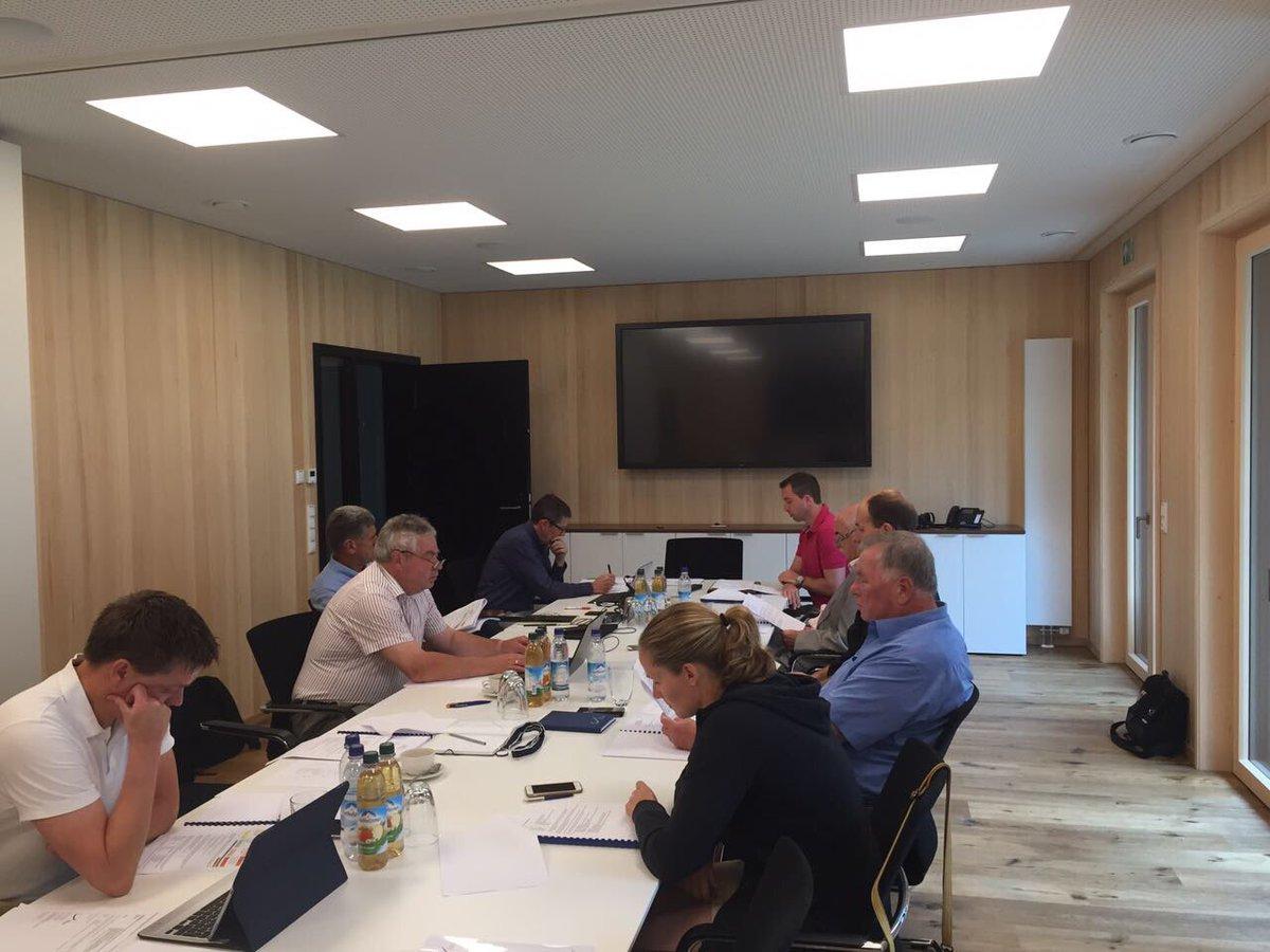 Heute BSD Präsidiumssitzung in der neuen Geschäftsstelle in Berchtesgaden #BSDsports https://t.co/ssCYDZavKT