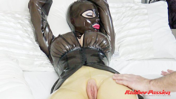 "1 pic. To my awesome members: Watch my latest vid ""Sweet Rubber Dreams"" Just added now 😉 https://t.co/VR0rOs6dR1"
