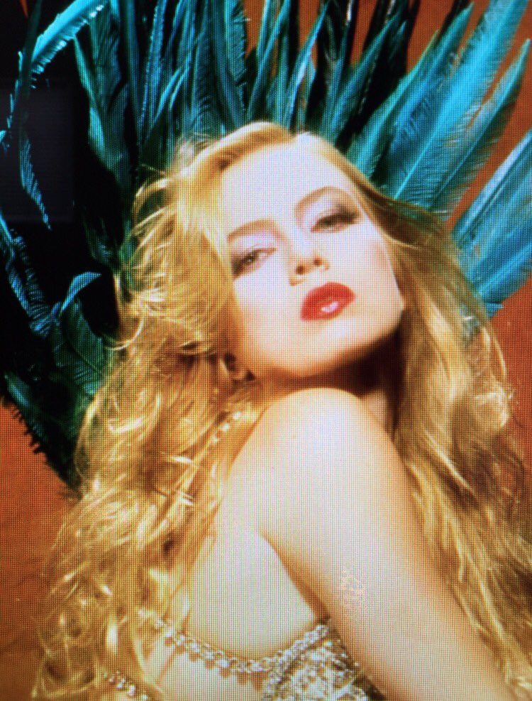It's always showtime around here.... #saturdaynight #datenight #getalegup #tb #tracilords #pinupgirlstyle