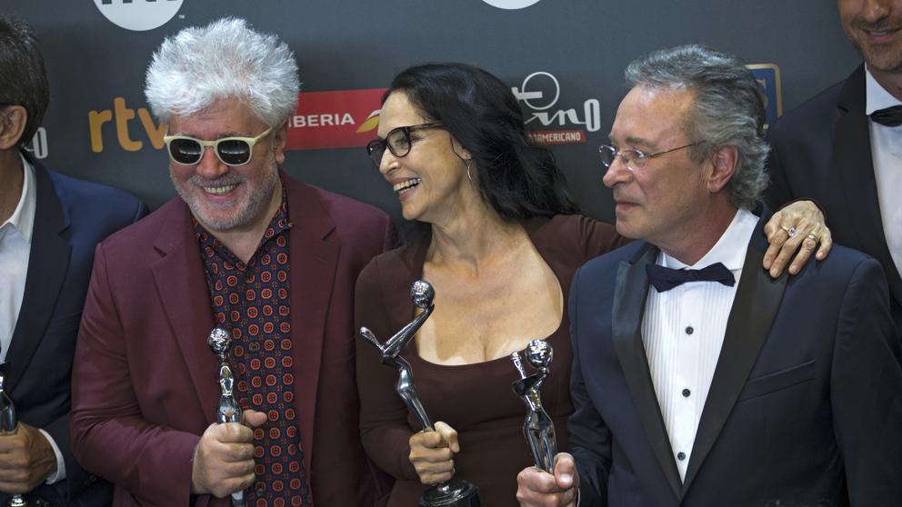 'El ciudadano ilustre', Almodóvar y Braga triunfan en unos Platino repartidos https://t.co/ikWG2fzo6w https://t.co/6rwffLFw1h