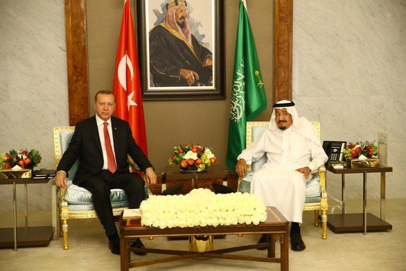 Cumhurbaşkanı Erdoğan, Suudi Arabistan Kralı Selman ile Görüştü https://t.co/7rxX0Q98ki https://t.co/95Q58mHOg7