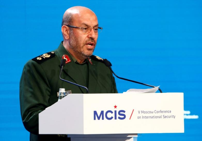 Iran and Iraq sign accord to boost military cooperation