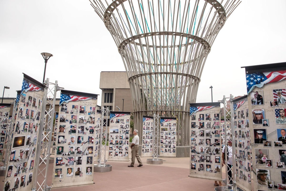 Memorial to U.S. troops killed in war since 9/11 unveiled in Lincoln