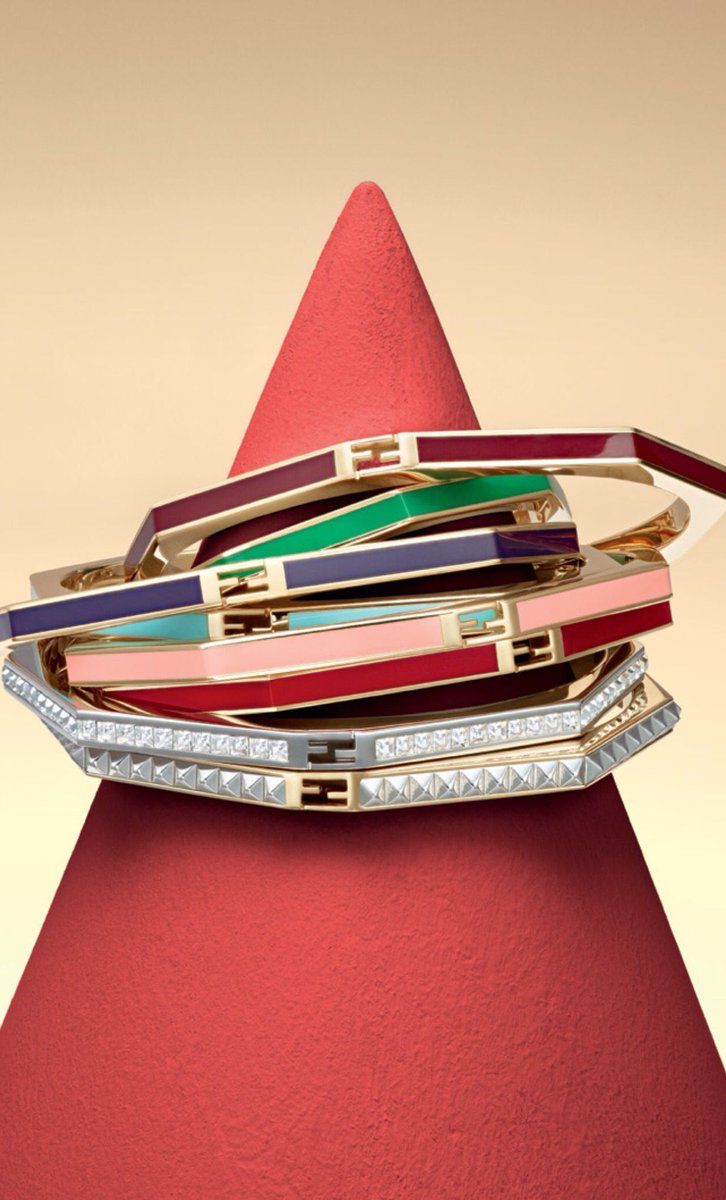 The more the merrier! We ❤️ the stackable rainbow of bangles from #FendiPreFall17, now on https://t.co/LPxAHLEljy. https://t.co/vposwKjT1z