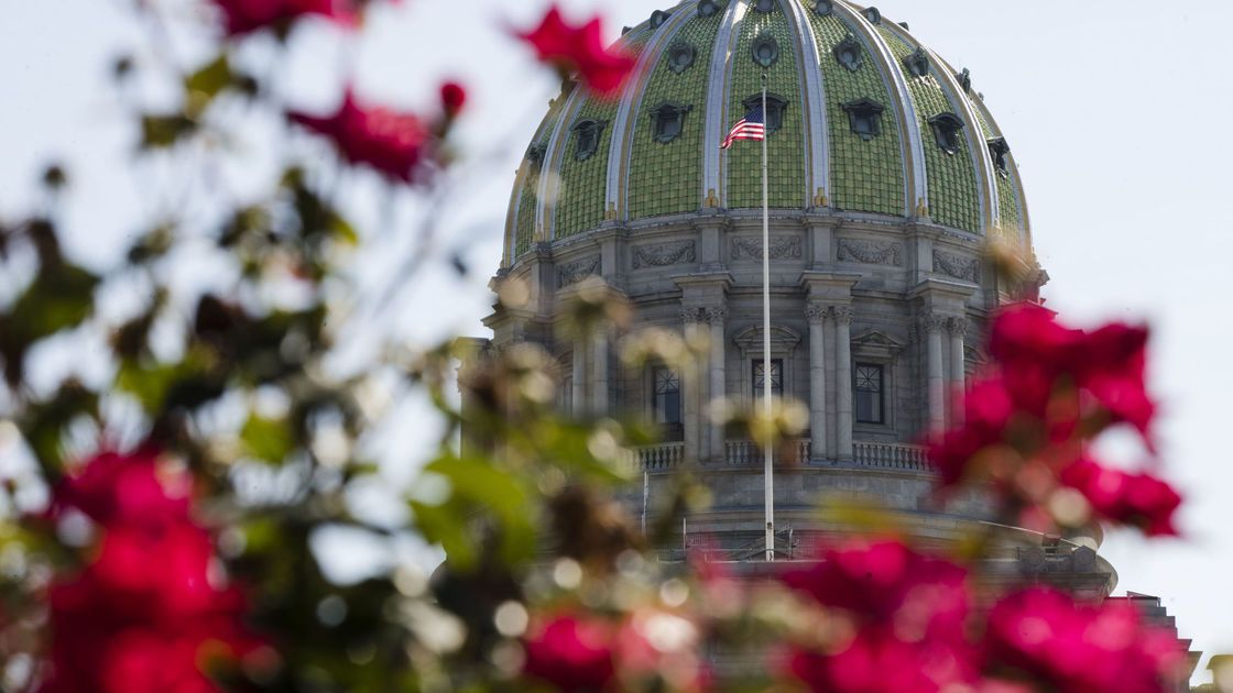 Republican effort to fund state budget without taxes stalls