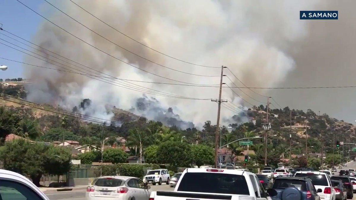#BREAKINGNEWS Fast-moving brush fire in La Verne burns 7-10 acres, threatens homes