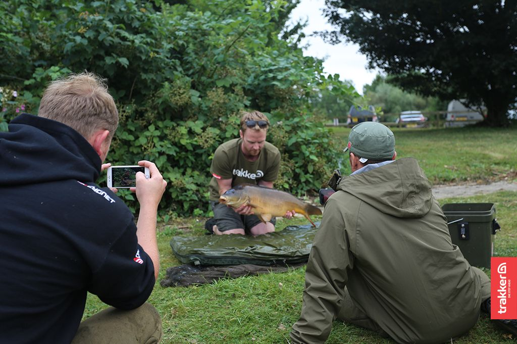 Good times shared with good people. #CarpFishing #Trakker #HorseshoeLake @TheCarpSociety @cygnettack