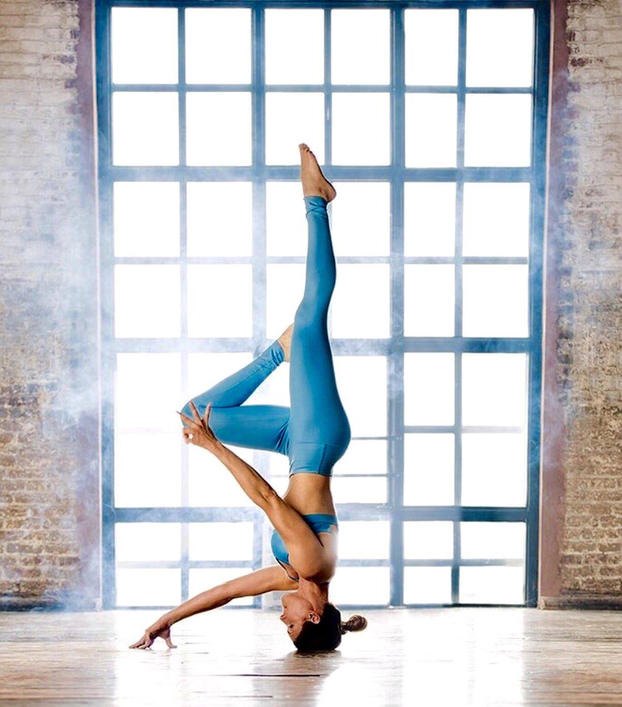 You are powerful beyond measure. 📷 riva_g_  #yoga #yogapose #fitness #fitnessmotivation #wellness #iloveyoga #inspiration https://t.co/ph1BPgIIBF