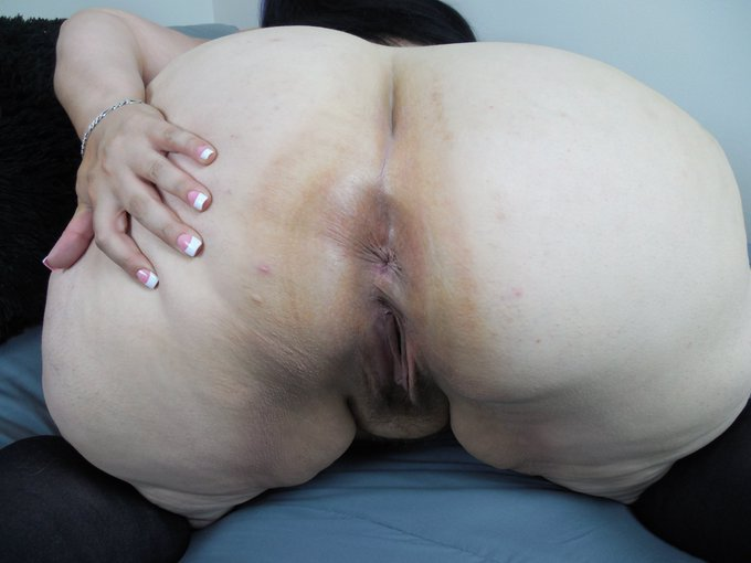 Need someone to stretch my holes ASAP!!!! #bbw #slut #usenabuseme https://t.co/NmZghhu1EO