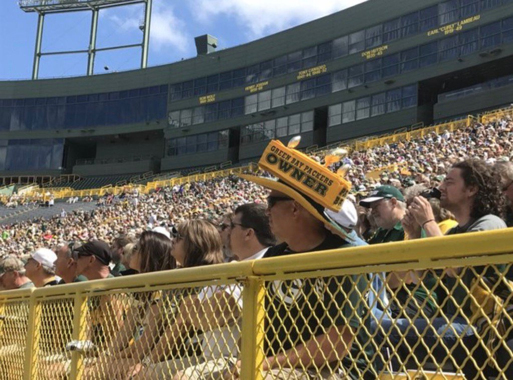 Packers shareholder meeting underway. Shares last cost $250 each, have actual value of 3 cents which can't be cashed https://t.co/5zWdfHmlNB