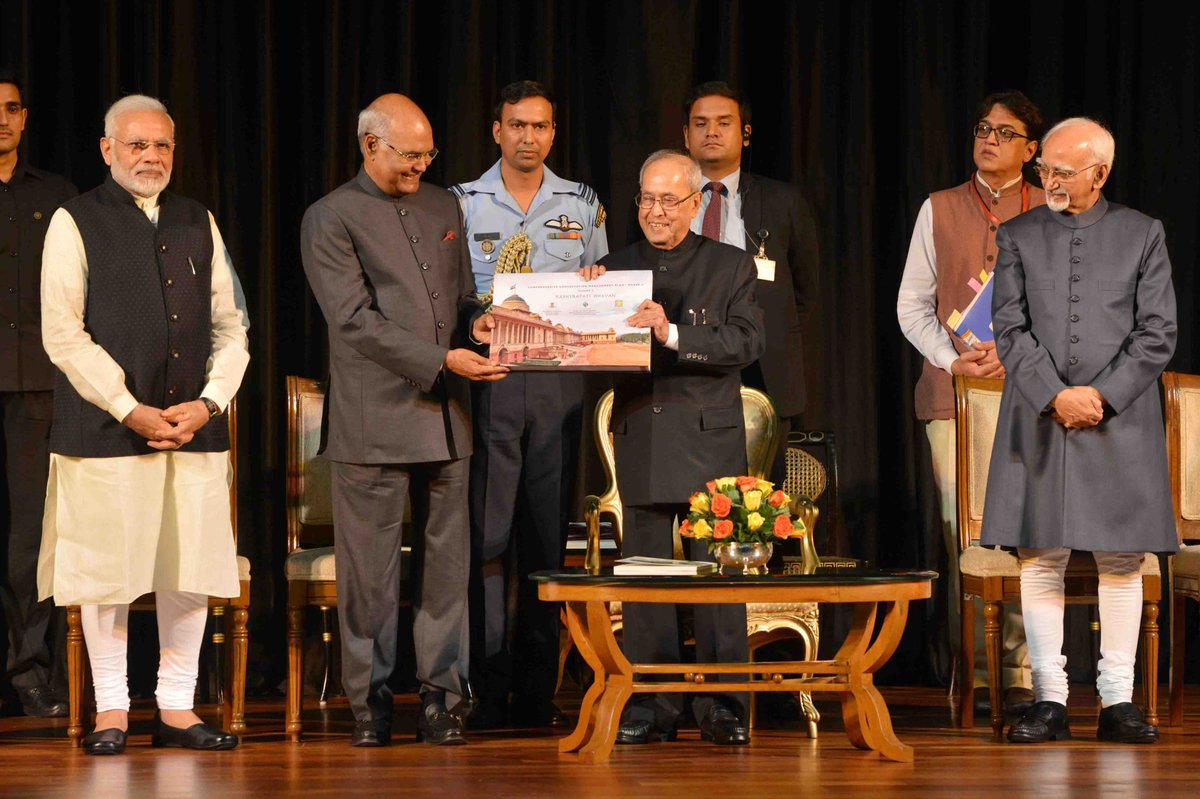 #PresidentMukherjee received books & reports related to Rashtrapati Bhavan today at Rashtrapati Bhavan