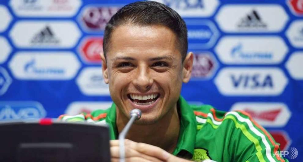 West Ham snap up Mexico star Hernandez