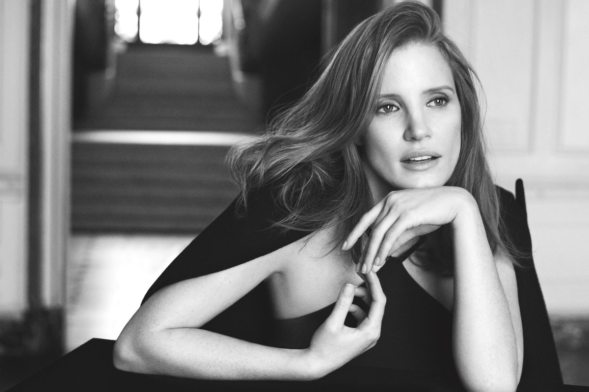 Jessica Chastain embodies the essence of modern femininity captured in Woman by Ralph Lauren. https://t.co/vcku3ff0uK