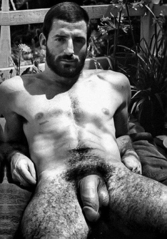 Армянские голые парни