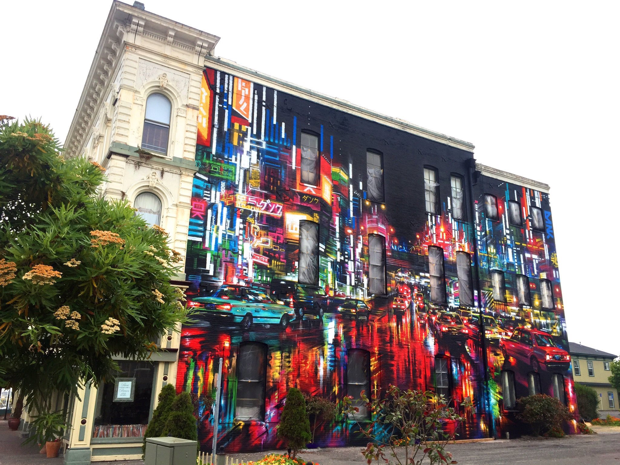 Eureka / California - 50ft x 75ft new Street Art freehand spray paint / solo painted by @DanKitchener https://t.co/eektcMBFD8