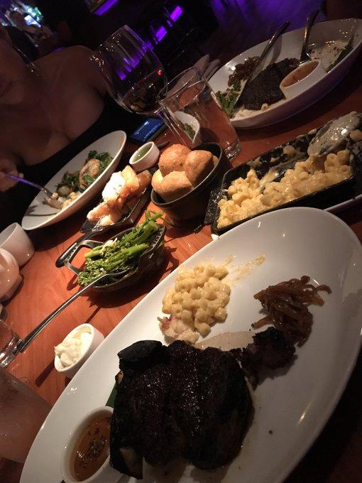 #dinnerparty https://t.co/p6k5cL73JC