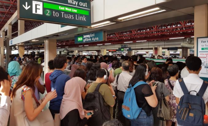 SMRT shuts train service between Queenstown and Bugis for 'urgent repairs' following faults on NSEWL