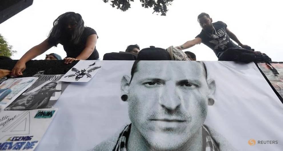 'Our hearts are broken': Linkin Park mourns Chester Bennington