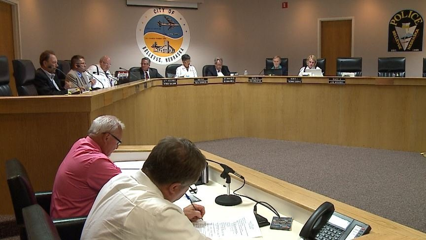 Bellevue city council condemns councilman's car wash