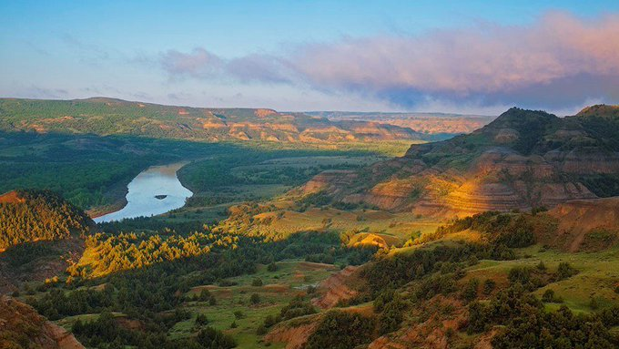 @BHPhotoVideo: A B&H #TravelTuesday Driving Guide to North Dakota:  Theodore Roosevelt National Park - https://t.co/Y8yth76ctt https://t.co/TzZYXTPO6Z