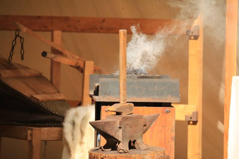 Jusqu'au 25 août, les artisans d'Antan sont à l'abbaye. https://t.co/3EZICkusg4....