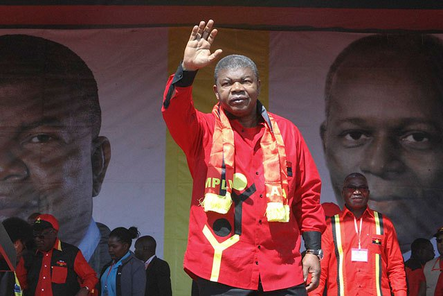 Angola's likely next president Lourenco hits the campaign trail
