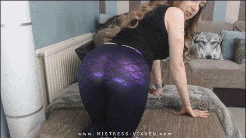 What makes you weak? @MzSiennaFoxx's shiny #ass https://t.co/zPZzqqiHZ9 #assworship #iWantClips https://t