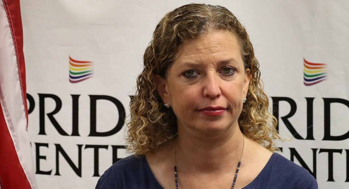 Wasserman Schultz aide arrested trying to leave the country