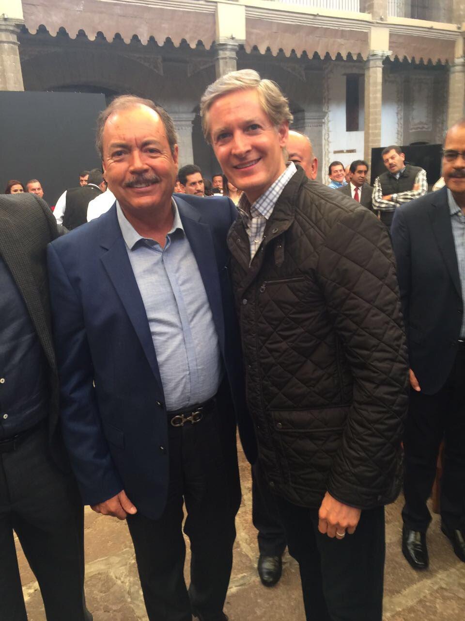 Me dio mucho gusto saludar a @alfredodelmazo, Gobernador Electo del Estado de México. https://t.co/lWXzm4z4Jm