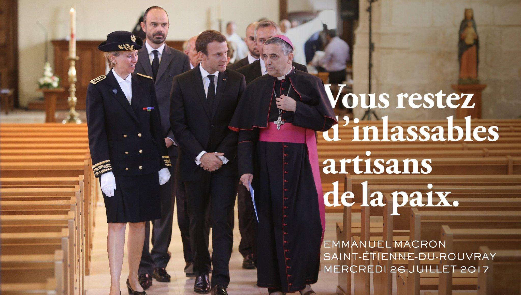 En ces temps troublés où tant de vos frères catholiques dans le monde subissent le terrorisme et la persécution ... https://t.co/l6wcPGxfGU