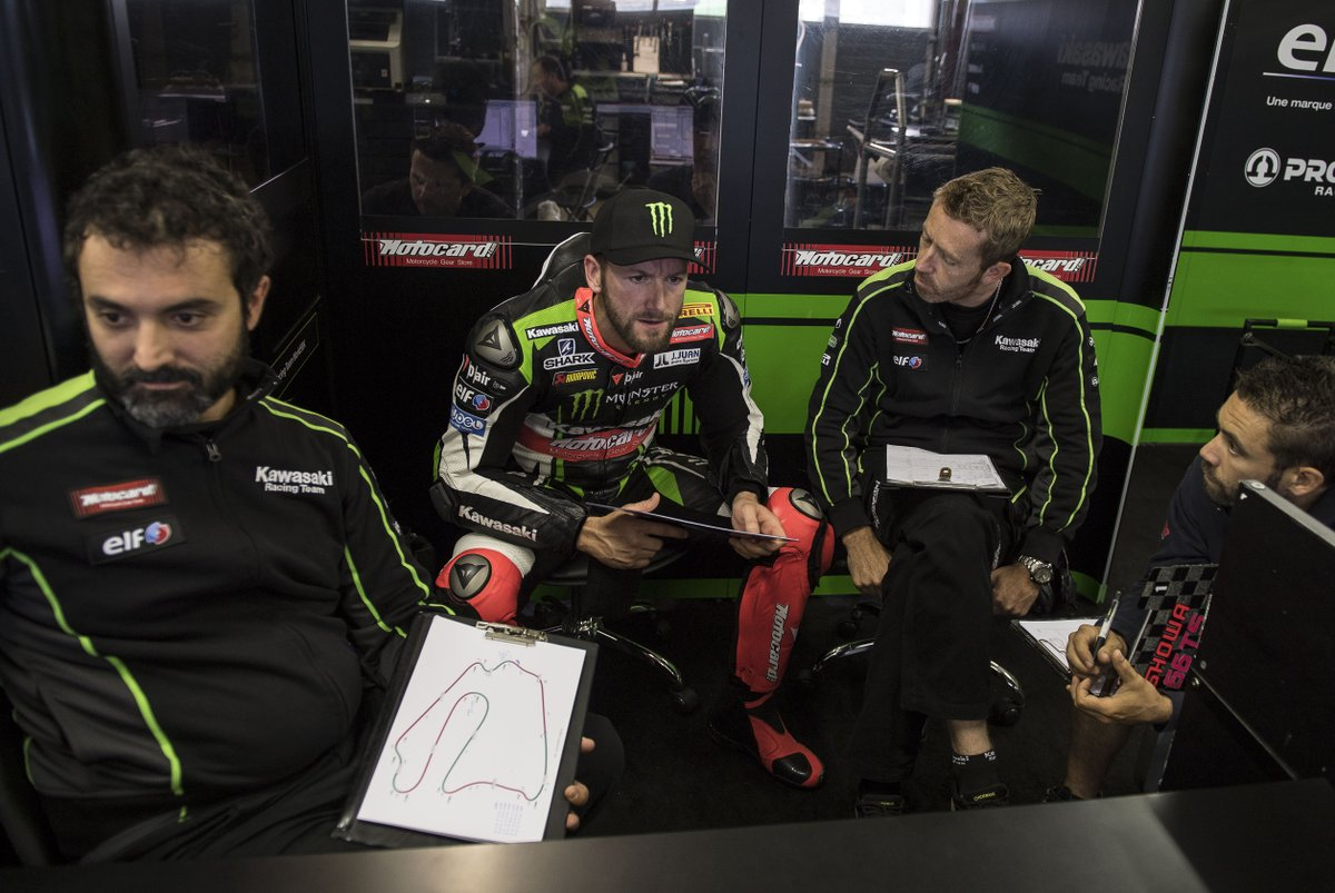 test Twitter Media - Testing, testing, testing...💪  What could @TheRealTomSykes be discussing at @Lausitzring_de test? 🤔  #WorldSBK https://t.co/U11bKJgebh