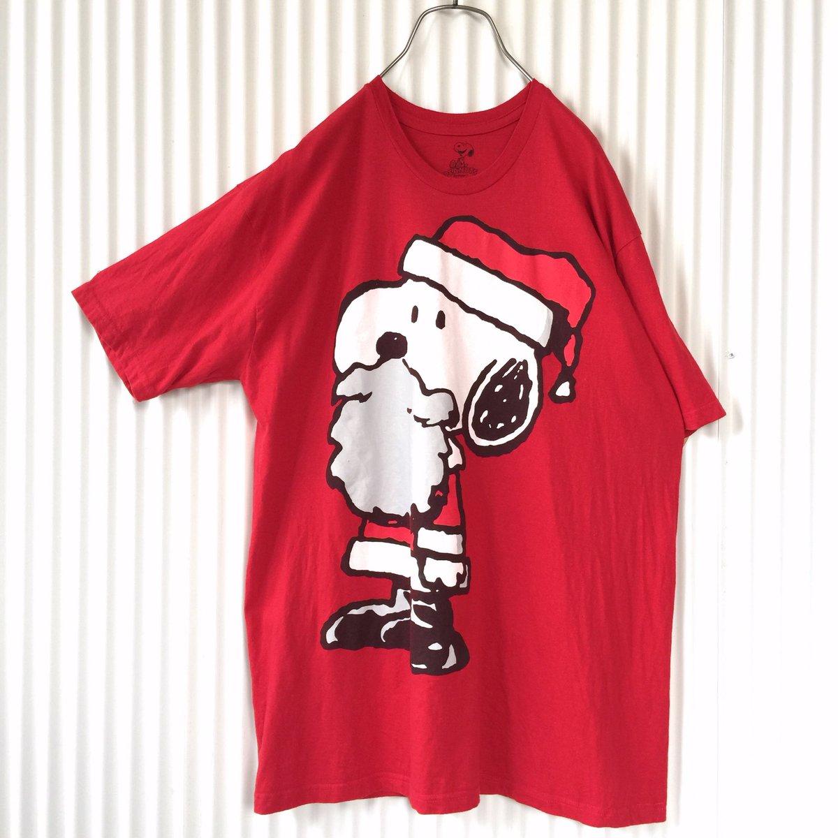 ⛄️スヌーピーサンタさんBIG Tシャツ 赤ゆるゆるサイズの真っ赤なビッグTシャツにたっぷりヒゲをたくわえてサンタさんに