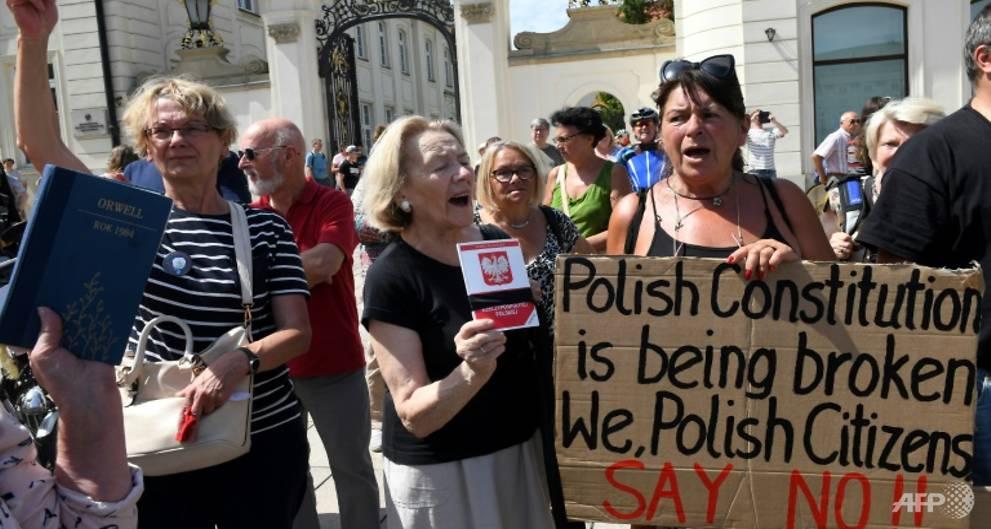 EU could halt Poland's voting rights