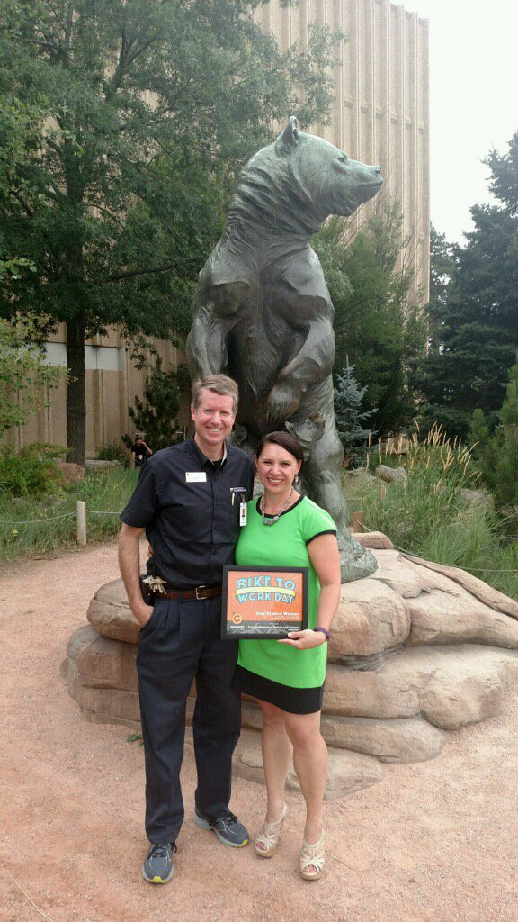 Our @egatseos is spreading #BiketoWorkDay love at @DenverMuseumNS: presenting Star Station award! Nice work! https://t.co/OoqvGMyxeg