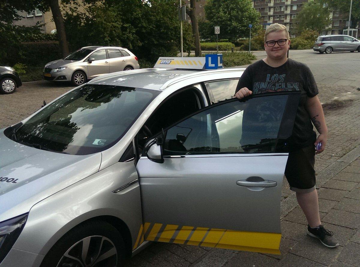 test Twitter Media - Nikita van Sonsbeek na een lekkere vlotte rit, ben jij sinds vandaag ook een rijbewijsbezitter.  Veel veilige en fijne kilometers gewenst! https://t.co/4C0o3p6HNr