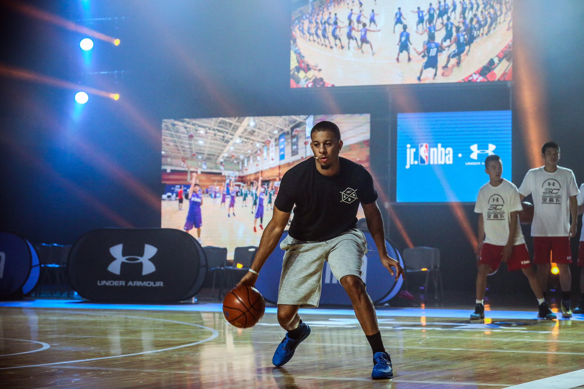 ��: @sdotcurry held a week-long national training camp in Beijing for 230 boys and girls from across China! https://t.co/kpyH2GQV1F