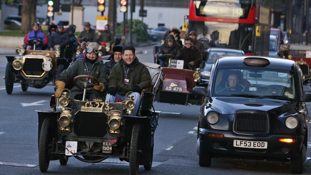 test Twitter Media - Londra: stop a benzina e diesel dal 2040. Piano da 3,5 mld #mobilità  https://t.co/ifSGGaCScL https://t.co/6dfUuJFETs