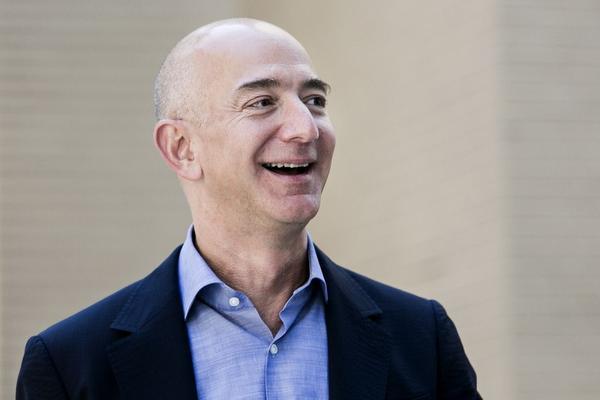 Amazon-topman rijkste ter wereld