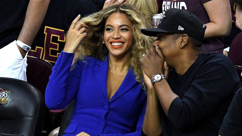 Beyonce and Jay-Z have hired HOW MANY nannies for their twins Rumi and Sir