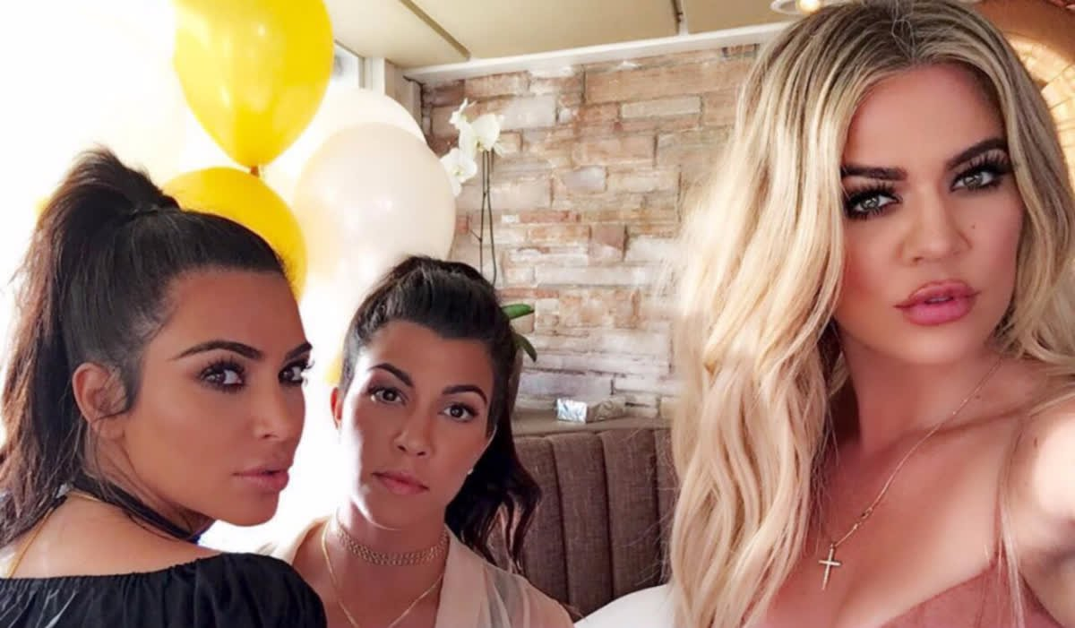 Has Khloe Kardashian been caught photoshopping her latest