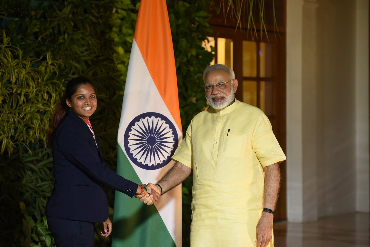 Interacted with the well known cricketer Mona Meshram, whose batting is admired by many.