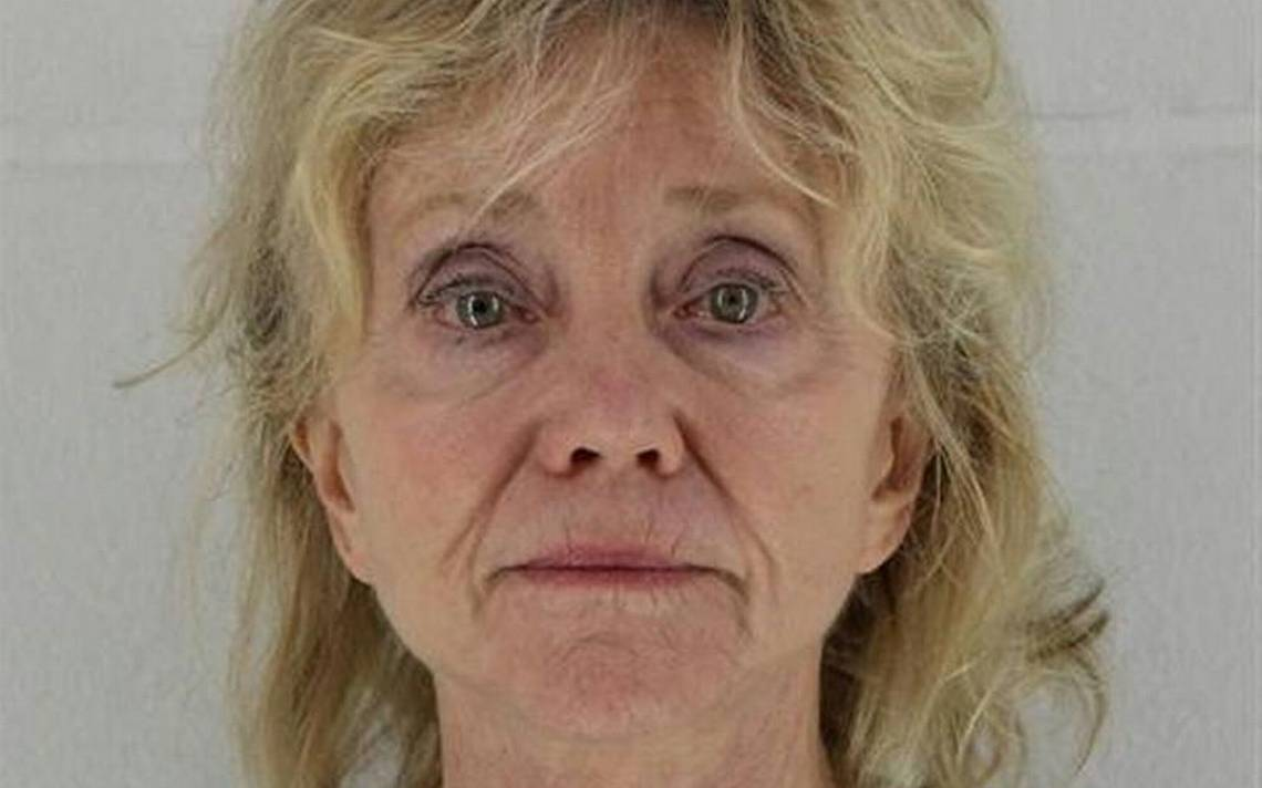 71-year-old woman charged in Johnson County burglary