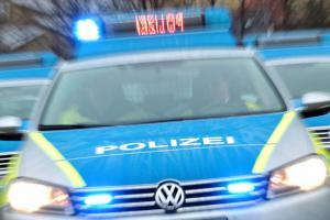 test Twitter Media - Ein Paketbote ist am Donnerstag in der Steigerstraße überfallen worden. Die Polizei sucht nun Zeugen.https://t.co/FZ1VVI2XF2 https://t.co/aSKPDNyeJK