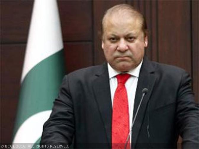 #BREAKING NOW | Pak PM Nawaz Sharif disqualified, loses Panama case
