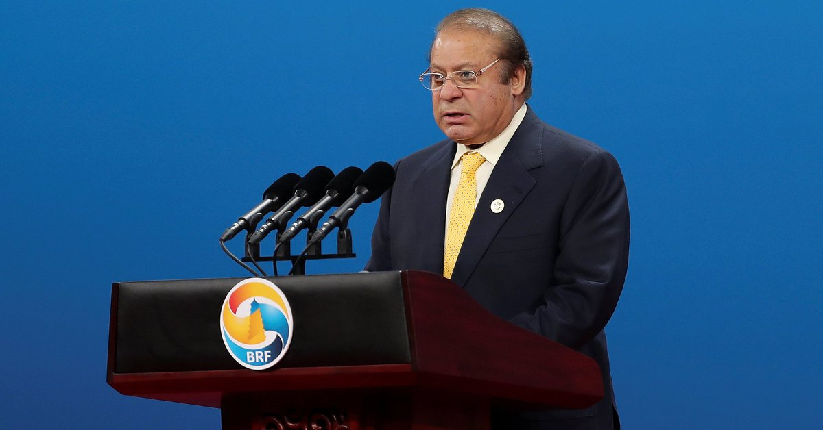 Pakistan's top court disqualifies Prime Minister Nawaz Sharif from office