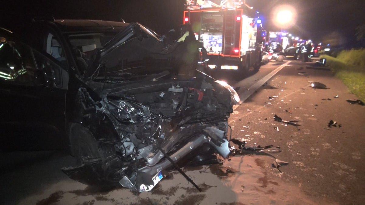 test Twitter Media - Totes Reh auf der #B236 - schwerer Unfall mit fünf Verletzten am Donnerstagabend https://t.co/Z1EiUgopgp https://t.co/ir4Om5BM8z