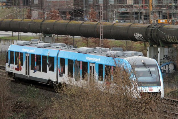 test Twitter Media - Weil ein LKW an der Gronaustraße eine Bahnbrücke beschädigt hatte, fielen gestern Abend zwei Bahnlinien aus: https://t.co/nh26SmVINd https://t.co/9fsGFtx7aL