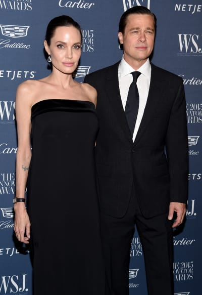 #Brad #Pitt & #Angelina #Jolie: Is the #Divorce #Called Off?! https://t.co/fofU5PKLGI https://t.co/IG1mW4srJR