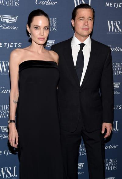 #Brad #Pitt & #Angelina #Jolie: Is the #Divorce #Called Off?! https://t.co/fofU5PKLGI https://t.co/IG1mW4srJR