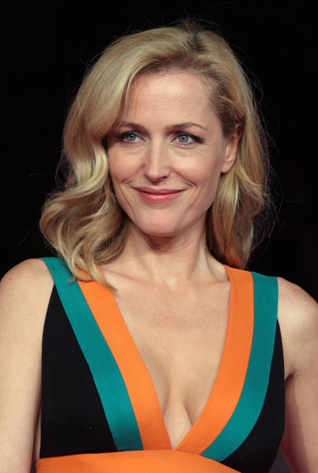 Happy Birthday to the beautiful Gillian Anderson!
